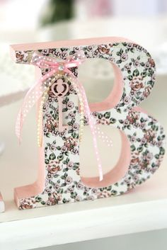 Mod podge C. hang key with ribbon or lace Mdf Letters, Monogram Letters, Letters And Numbers, Diy And Crafts, Arts And Crafts, Paper Crafts, Decoupage, Floral Letters, Letter A Crafts