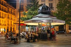 Quiosque em Lisboa Eating in Lisbon, Portugal Lisbon Food, Gazebos, Learn Brazilian Portuguese, Portuguese Culture, Café Bar, Restaurants, Portugal Travel, Kiosk, Where To Go