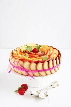 Peach Charlotte | Miel & Ricotta I don't understand how to make it! LOL But it's so pretty!