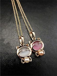 Miss Kitty Pearl Necklace
