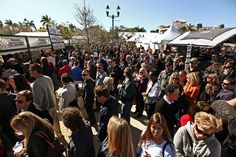 Visitors line up for food vendors during the Garlic Fest in downtown Delray Beach #Delray #DelrayBeach #PalmBeach #ThingsToDoInDelrayBeach #DelrayBeachAttractions