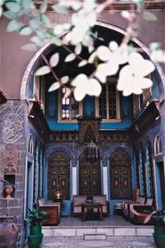 Beit arabi (Old Style Arab Houses) Damascus, Syria Islamic Architecture, Art And Architecture, Abu Dhabi, Naher Osten, Aleppo, Jasmin, Going Home, North Africa, Islamic Art