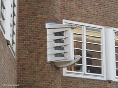 De Dageraad (window) by Michel de Klerk and Piet Kramer, Plan Zuid Amsterdam, foto Klaas Schoof.