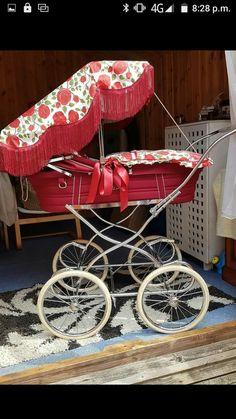 Pram Stroller, Baby Strollers, Silver Cross Prams, Vintage Pram, Prams And Pushchairs, Baby Equipment, Baby Buggy, Play Yard, Baby Prams