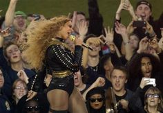 Beyonce Knowles Dances to Formation at Super Bowl 2016 Party!