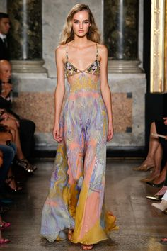 Maartje Verhoef in Emilio Pucci Spring 2015 Ready–to–Wear. #SS15 #MFW