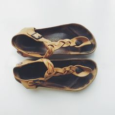 I use to have so of these. Every time I'd go to look for a new pair, NO ONE knew what I was talking about! SUCESS!
