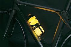 glowing water bottle, best bike water bottle, light up water bottle
