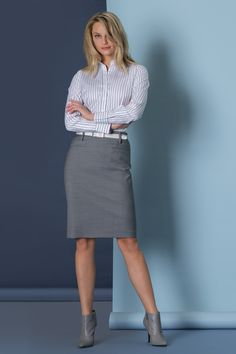 Collection - women business look - blouse. Stume - modern with. Corporate Wear, Corporate Outfits, Business Casual Dresscode, Business Outfits, Office Outfits, Dress Code, Pencil Skirt Outfits, Cocktail Attire, Grey Outfit