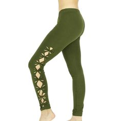 LUCIA Legging woman khaki, perforated braided on the sides, open sides knotted flowers, braiding, tribal, amazon, festivals, teufs, trance, yoga, Legging woman long openwork and tied on the sides in the shape of flowers. This open and braided petal-shaped legging is ideal for small amazone fairy who want to be sexy in the evening trance for festivals and other teufs!  In single size it is suitable from 65 to 90/95 centimeters maximum waist.  Made in a soft and resistant cotton material. 95%…