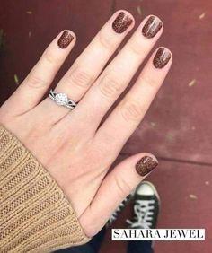 16 Stunning Nail Art Trend Ideas for Nagelstreifen # Nagellack Fancy Nails, Pink Nails, Cute Nails, Pretty Nails, Jewel Nails, Oval Nails, Brown Nail Polish, Nail Polish Colors, Gel Polish