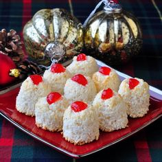 Haystacks Here's a very quick and easy macaroon cookie recipe using just a few simple ingredients. I always get requests for this recipe during the Holiday season because they are a real old fashioned Newfoundland favorite during Christmas time. It seemed every baker I knew while growing up made these every year. I've modified the …