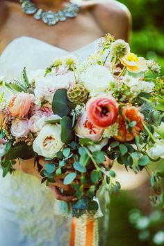 Woodland California wedding | Photo by Julie Pepin Photography | Read more - http://www.100layercake.com/blog/?p=80208