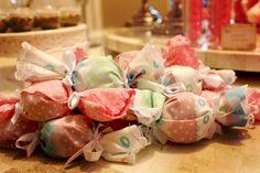 Festa de menina: decoração rosa - Constance Zahn   Babies & Kids
