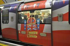 LondonのTubeはとてもカラフル。