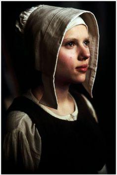 Давным-давно,когда я еще училась в школе ,мама приненсла домой альбом Голландской живописи из собрания Эрмитажа..С тех пор он стал любим и обласкан мною,засмотрен до дыр.Листая его сейчас,понимаю,что качество его печати очень низое .К счастью ,я живу в Петербурге и посетить Эрмитаж легче легкого.Но любовь к голландскому натюрморту,а позже и к пейзажу,портрету и к жанровой живописи ,началась именно с этой книги.