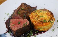 Szarvas Steak, Puding, Meatloaf, Beef, Food, Christmas Ornaments, Meat, Meat Loaf, Eten