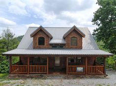 Mountain Sunrise - 3 Bedroom, 2 Bathroom Cabin Rental in Pigeon Forge, Tennessee. #travel #cabinsforyou #smokymountains