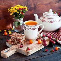 """Коллекция """"Фаустина"""" гармонична в осенней сервировке и незаменима для создания доброго утра! А мы желаем вам продуктивного и яркого дня!"""