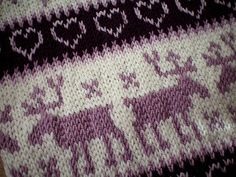 Ravelry: Classic Colorwork Cowl pattern by Julie Zaichuk-Ryan Knitting Charts, Baby Knitting Patterns, Free Knitting, Fair Isle Pattern, Fair Isle Knitting, Christmas Knitting, Double Knitting, New Pins, Knit Crochet