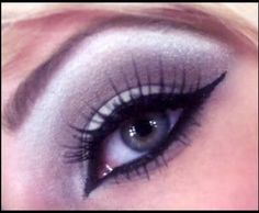 Colourful liner applied on the lower eyelids can open up your eyes and make them look bigger