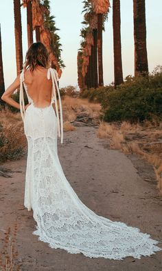 Daughters of Simone 2017 bohemian bridal collection backless lace wedding dress by Daughters of Simone Backless Lace Wedding Dress, Bohemian Wedding Dresses, Used Wedding Dresses, Lace Dress, Boho Wedding, Hipster Wedding, Dream Wedding, Bridal Gowns, Wedding Gowns
