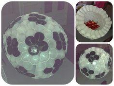 Sinterklaassurprise. Een voetbal gemaakt van ruim 200 plastic bekertjes en verf.