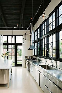 47 Incredibly inspiring industrial style kitchens | Visit http://www.vintageindustrialstyle.com for more inspiring images and decor inspirations
