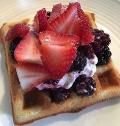 These Keto waffles are crispy on the outside and soft and fluffy in the middle! A fabulous, low carb alternative to traditional Belgium waffles. Waffle Bowl, Keto Waffle, Waffle Recipes, Keto Recipes, Belgium Waffles, Protein Waffles, Carb Alternatives, Yummy Food, Tasty