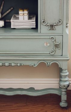 Dresser/ tv stand in this color Furniture Redo, Furniture Projects, Home Projects, Painted Furniture, Craft Projects, Blue Paint Colors, Chalk Paint Colors, Annie Sloan Chalk Paint, Robins Egg Blue Paint
