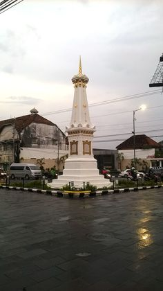 Tugu Yogyakarta, saat hujan rintik sore hari White Aesthetic, Aesthetic Photo, Aesthetic Pictures, Sad Wallpaper, Wallpaper Backgrounds, City Photography, Landscape Photography, Draw On Photos, Fake Photo