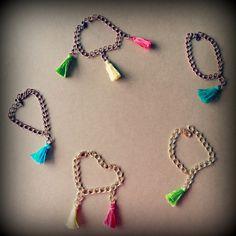 DIY: Pulsera con borlas de colores - Colour tassel bracelet