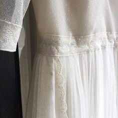 Femenina, delicada, romántica ... así es la novia que me ha inspirado al diseñar este nuevo vestido de tul de plumiti en algodón y encaje francés ❤ #nuevosdiseños #vestidoscarmensotothebride  #noviascarmensotothebride #ateliercarmensotothebride #NoviasBilbao #Noviasconencanto #Noviasconestilo #Noviasaltacostura #Lanoviaperfecta  #altacosturanovias