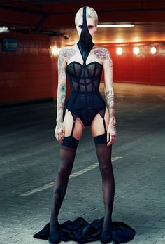 Kunza Corsetorium UNDERGROUND Serpentine corset & face mask. Coming soon to Xenses.