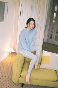 Beautiful Chinese Girl, Fashion Corner, Ulzzang Korean Girl, Stylish Girl Pic, Cute Girl Photo, Fashion Poses, Korean Actresses, Korean Celebrities, Girl Day