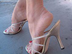 Beautiful High Heels, Gorgeous Feet, Feet Soles, Women's Feet, Sexy Legs And Heels, Sexy High Heels, Pantyhose Heels, Miyagi, Open Toe High Heels