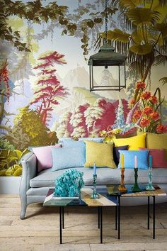 Using a mix of colors in this Chinoiserie living room is absolutely beautiful!