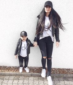 Mommy and son Mother Son Matching Outfits, Mom And Son Outfits, Baby Boy Outfits, Kids Outfits, Mommy And Son, Mom Son, Mother Daughters, Baby Boy Fashion, Toddler Fashion
