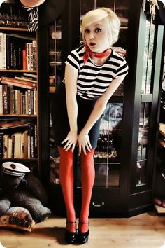 red tights - black skirt - white t-shirt Orange Tights, Striped Tights, Colored Tights, Black Tights, Red Skirts, White Skirts, Sparkly Tights, Gamine Style, Tights Outfit