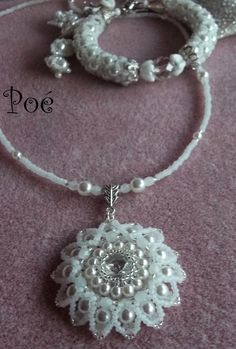 Pearls Poe Wire Jewelry, Jewelry Crafts, Jewelry Art, Beaded Jewelry, Jewelery, Jewelry Design, Beaded Necklace, Diy Jewellery At Home, Jewelry Making