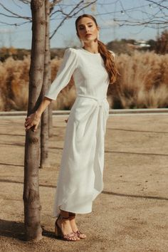 Vestido Martina Perfect Wedding, Fashion, Vestidos, Female Silhouettes, Brides, Sleeves, Moda, Fashion Styles, Fashion Illustrations