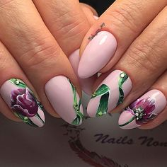 Рисунок на ногтях. Тюльпаны на розовом фоне.