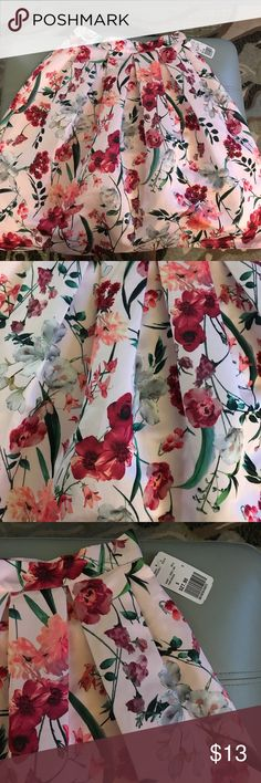 Floral Midi Skater Skirt NWT Super cute skirt! I bought it and never wore it. Perfect for any occasion😊 Forever 21 Skirts Midi
