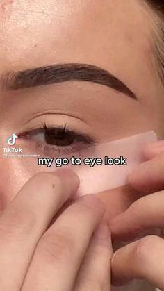 Pin on Make-Up Tutorials TikToks Dope Makeup, Edgy Makeup, Makeup Eye Looks, Eye Makeup Art, Eyebrow Makeup, Pretty Makeup, Skin Makeup, Eyeshadow Makeup, Basic Makeup