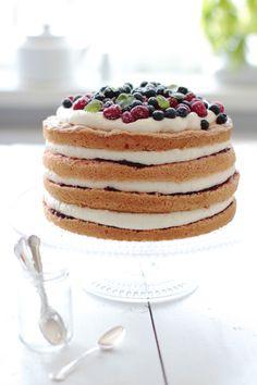 Yummy Baker: White Chocolate Raspberry Layer Cake