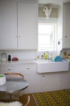Mandi's Antique & Modernly Mixed Bungalow Kitchen Redo, Kitchen Cabinets, Interior Decorating, Interior Design, Interior Inspiration, Design Inspiration, Kitchen Interior, Vintage Decor, Bungalow