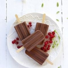 Chocolate popsicles, delicious!! (in Spanish)