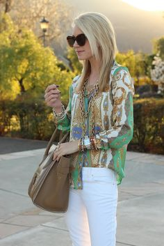 green and gold print blouse + white pants + gold chain necklace