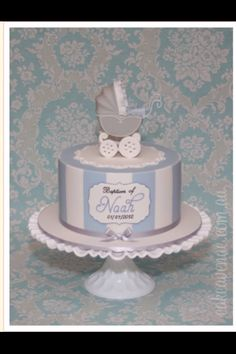 Adorable. Simple, clean lines, cute topper on a simple medallion. ♥