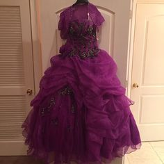 Beautiful Purple Gown Brand new gown! Great for prom or other formal ceremony! Size 8! Offers accepted! Dresses Prom